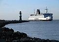 DE Rostock Ferry in hafen.JPG