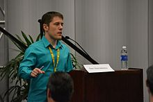 Dan Dascalescu presenting Blueseed at the Bitcoin 2013 conference.jpg