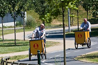 https://upload.wikimedia.org/wikipedia/commons/thumb/6/6a/Danish_Postal_Serivces.jpg/320px-Danish_Postal_Serivces.jpg