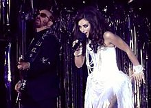 Dave Stewart and Cindy Gomez performing at Lifeball 2009.JPG