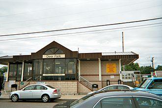 Deer Park (LIRR station) - Deer Park Station from the parking lot