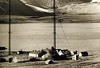 Demolition of wireless station at Spitzbergen, Operation Gauntlet, 1941 (22418716705).jpg