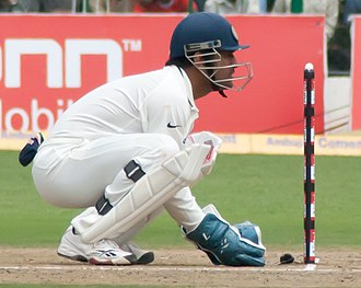 MS Dhoni - Dhoni behind the stumps