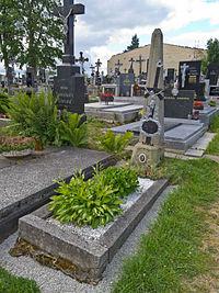 Tomb in Deštná (Source: Wikimedia)