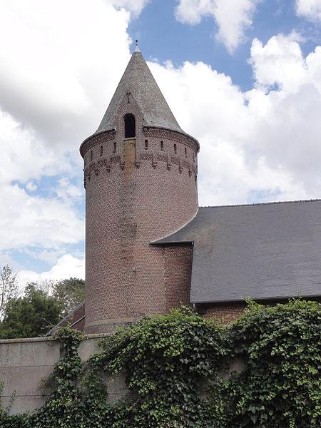 Douchy (Aisne) manoir, le pigeonnier