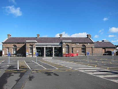Come arrivare a Drogheda MacBride Railway Station con i mezzi pubblici - Informazioni sul luogo
