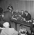 Einde bezoek bondskanselier dr Ludwig Erhard en gaf persconferentie in het Haag, Bestanddeelnr 916-1327.jpg