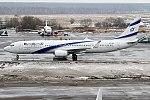 El Al, 4X-EHI, Boeing 737-958 ER (32293408156) (2).jpg
