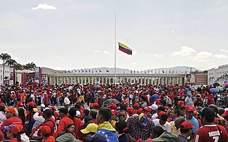 Hugo Chávez - Supporters of Hugo Chávez at his funeral at the Military academy of Venezuela.