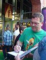Elton bei der Shrek - Das Musical Premiere.JPG