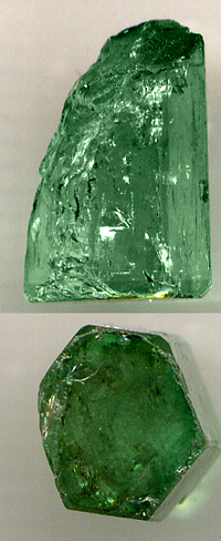 Emerald showing its hexagonal structure Emerald.png