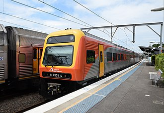 NSW TrainLink - Image: Endeavour railcars 2801 and 2851 (30621845427)