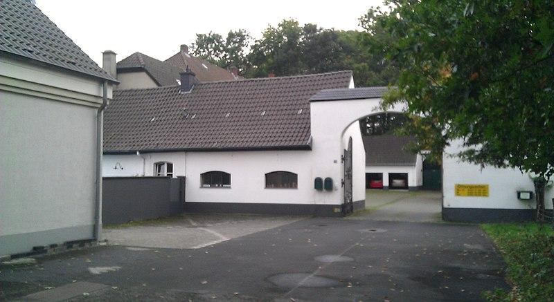 File:Escher Str. 29 (Eingangsportal), Pech-Koeln.jpg