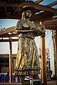 Estatua Mujer Iqueña.jpg