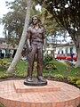 Estatua de Juanes en Carolina del Príncipe, Antioquia.jpg