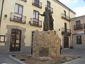 Estatua en honor a Ximena Blazquez.jpg
