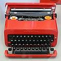 Ettore sottsass per olivetti, macchina da scrivere valentina, 1969.jpg