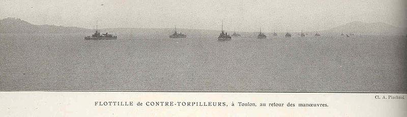 File:FMIB 37133 Flottille de Contre-Torpilleurs, a Toulon, au retour des manoeuvres.jpeg