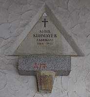 Feuerhalle Simmering - Arkadenhof (Abteilung ARI) - Alois Kühmayer.jpg