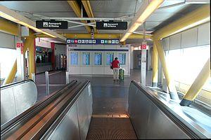 Fiumicino Airport 2011-by-RaBo-03.jpg