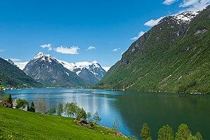 Fjærlandsfjorden - Image: Fjærlandsfjorden (03)