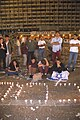 Flickr - Government Press Office (GPO) - TEENAGERS LIGHTING MEMORIAL CANDLES AFTER HEARING OF THE ASSASSINATION OF P.M. YITZHAK RABIN.jpg