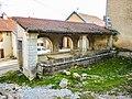 Fontaine-lavoir couverte à Montenois.jpg