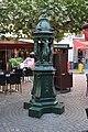 Fontaine Wallace place du Général-Leclerc Suresnes.jpg