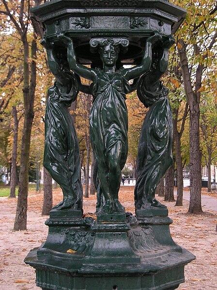 Fichier:Fontaine paris.JPG