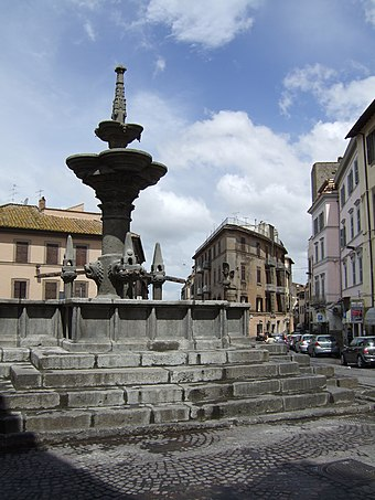 "The Fontana Grande (""Grand Fountain"") in the eponymous square. FontanagrandeViterbo.JPG"