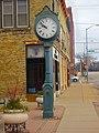 Fort Atkinson City Clock - panoramio.jpg