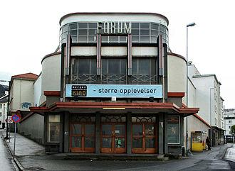 Ole Landmark - Landmark's functionalist/art deco Forum Kino in Bergen