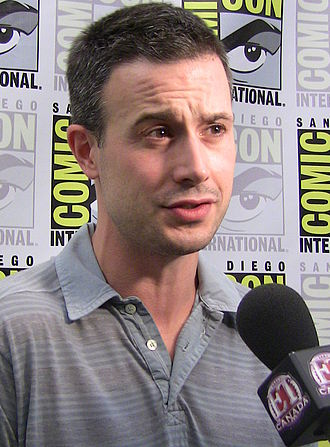Mass Effect 3 - Image: Freddie Prinze, Jr Comic Con 2009