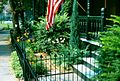 Front Garden at 220 St Marks Square in 1981 - panoramio.jpg