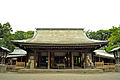 Front shrine of the Hikawa shrine.jpg
