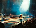 Garth Brooks 2003 (6316989828).jpg