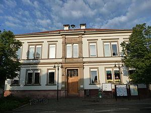 Geinsheim (Neustadt) - Image: Geinsheimer Schulhaus 01