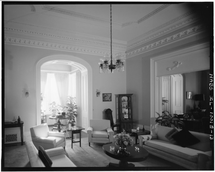 File:General view of E parlor, first-floor; looking SW toward bay window alcove and W parlor. (Ceronie and Harms) - Rock Island Arsenal, Building No. 1, Gillespie Avenue between HABS ILL,81-ROCIL,3-1-13.tif