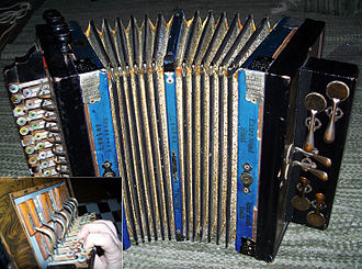 Diatonic button accordion - Diatonic button accordion (German make, early 20th century).