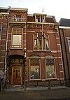 foto van Herenhuis, verwant aan Neo-Hollandse Renaissance met details in Art Nouveau