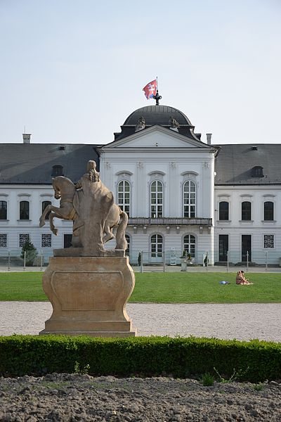 File:Grassalkovich Palace and Maria Theresa statue.JPG