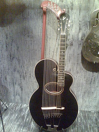 Gibson - Harp guitar   (c. 1912).