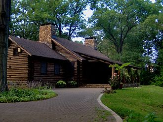 Rutgers Gardens - Exterior of the log cabin
