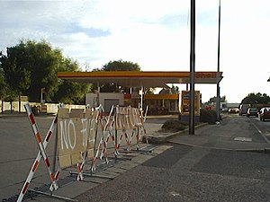 Fuel protests in the United Kingdom - Ham Hill petrol station, which had run out of fuel.
