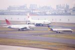 Haneda Airport (24223270373).jpg