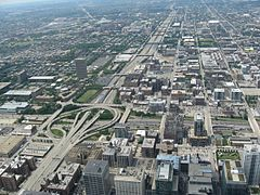 Highway entering Chicago (view from Willis Tower).jpg