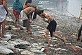 Hindu Devotee Returning Briskly After Holy Dip In Ganga - Makar Sankranti Observance - Kolkata 2018-01-14 6557.JPG