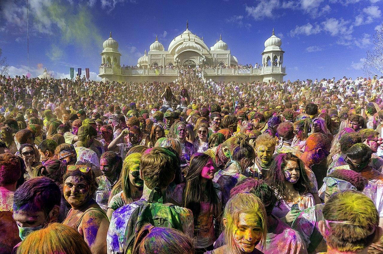 Holi Photo: File:Holi Festival Of Colors Utah, United States 2013.jpg