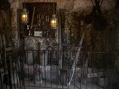 Homestead FL Coral Castle tower inside02.jpg