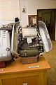 Hornický skanzen Mayrau, záchranný přístroj, otevřený.jpg
